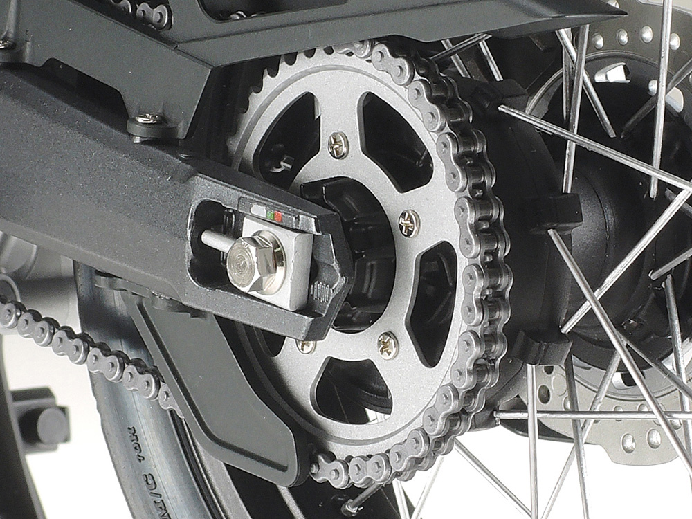 Hasil gambar untuk how to setting chain motorcycle