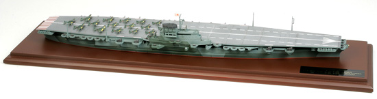 1/700 Japanese Aircraft Carrier Shinano (Finished Model)