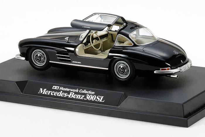 mercedes benz 300 sl black finished model. Black Bedroom Furniture Sets. Home Design Ideas