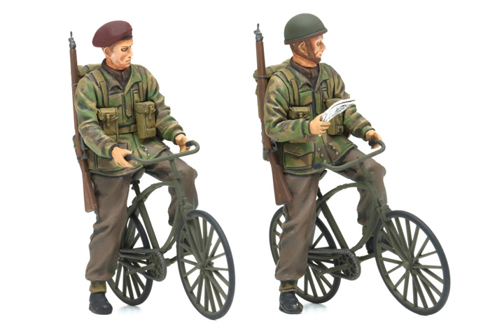 TAMIYA 35333 British Paratroopers with Bikes 1:35 Military Figures Model Kit