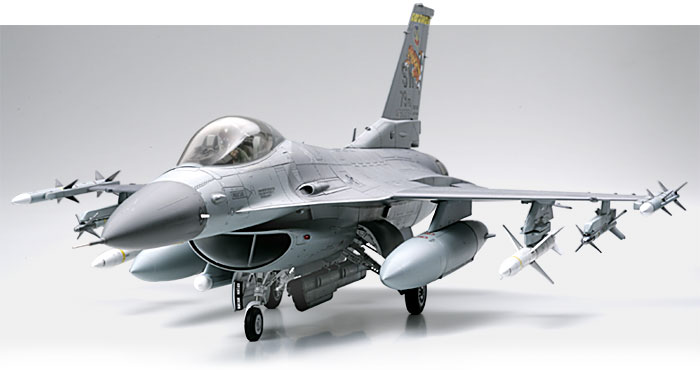 TAMIYA 1//32 SCALE LOCKHEED MARTIN F-16CJ BLOCK 50 FIGHTING FALCON MODEL KIT